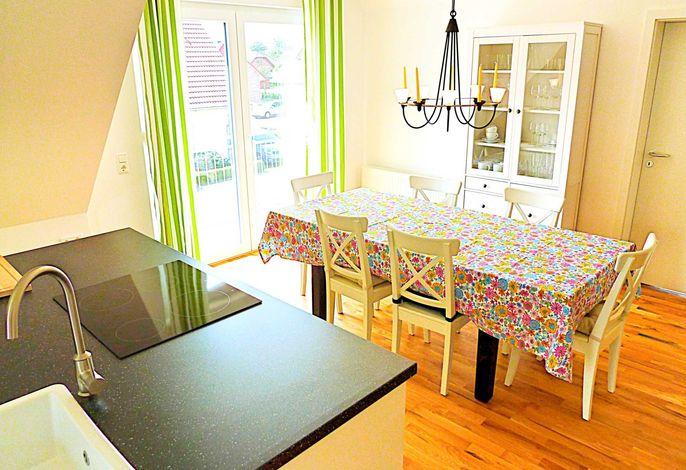 Küchenblock mit Essplatz