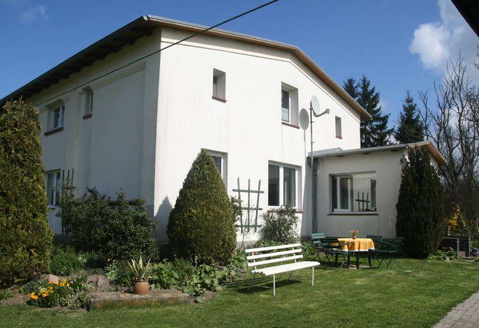6 Raum Landhaus mit 5 Schlafräumen und 2 Bädern