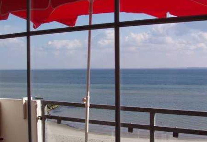 SR 13 Blick weit übers Meer und den Strand vor der Tür