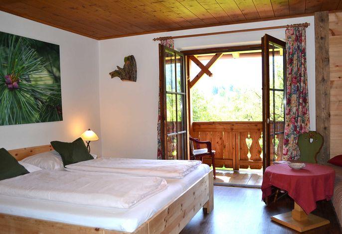 Zirbenzimmer mit Balkon