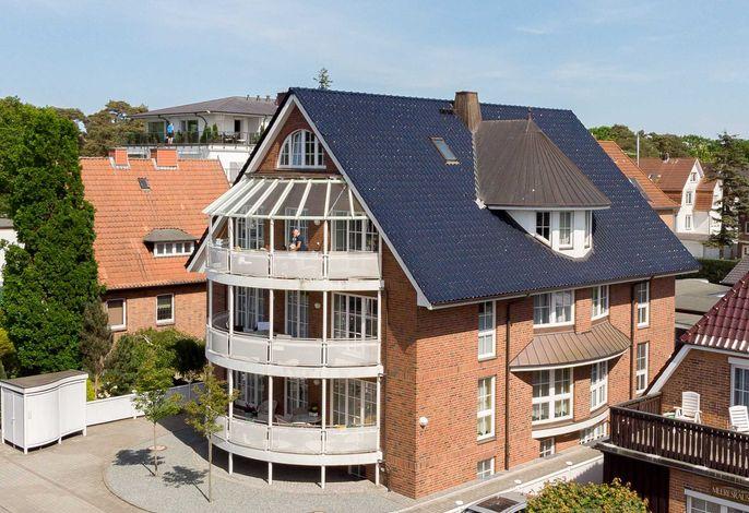 2) Techt's  Strandhaus