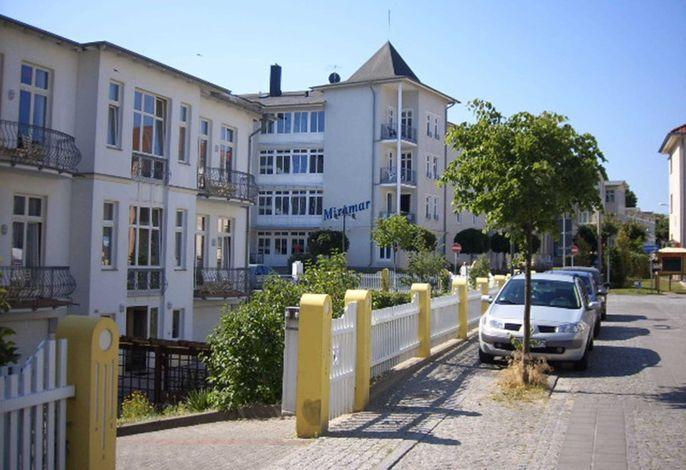 Haus Miramar***200m vom Ostseestrand entfernt Fam. Lebing