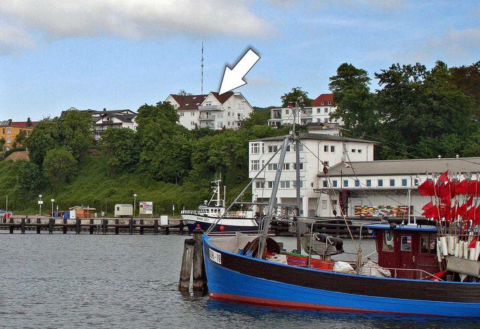 Lage - direkt am Hochufer über dem Sassnitzer Hafen