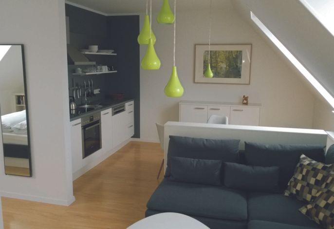 Der Wohnbereich mit offener Küche
