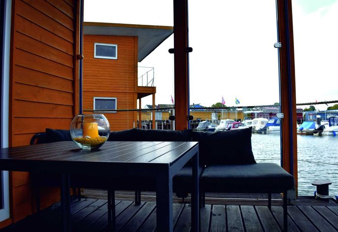 05. Floating-Houses SteelVoll  mit Infrarotsauna