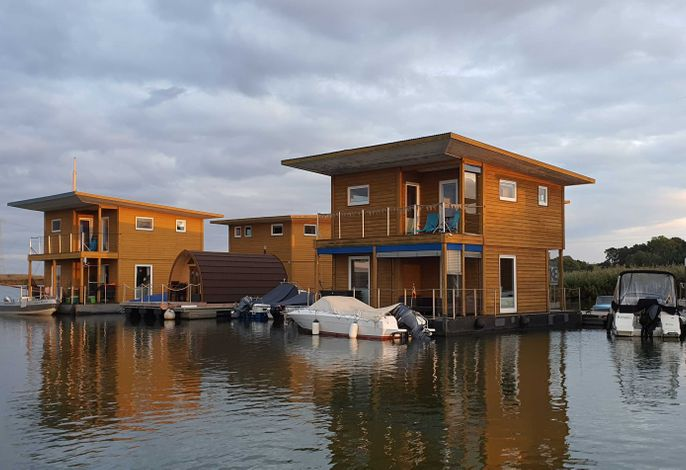 05. Floating-Houses (75 m²) SteelVoll mit Infrarotsauna
