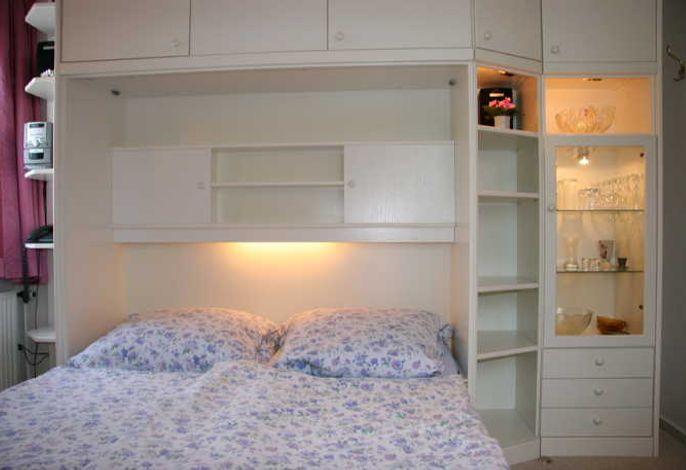 Wohnzimmer Schrankwand mit Doppel-Klappbett