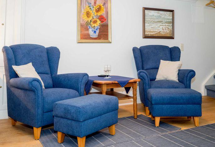 Wohnzimmer mit 2 gemütlichen Sesseln