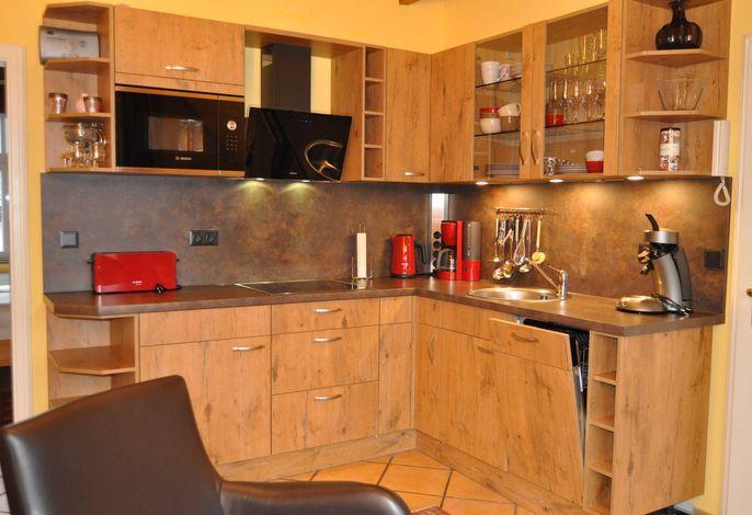 sehr gut ausgestattete Küchenzeile