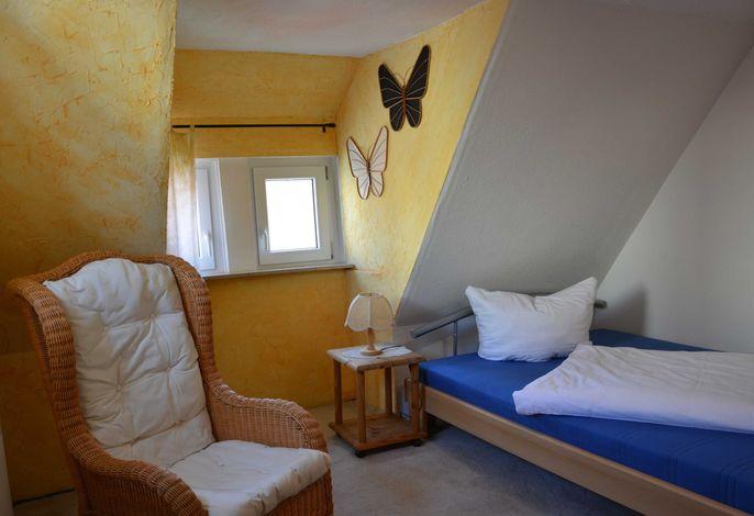 Schlafbereich mit 1,40m breitem Bett
