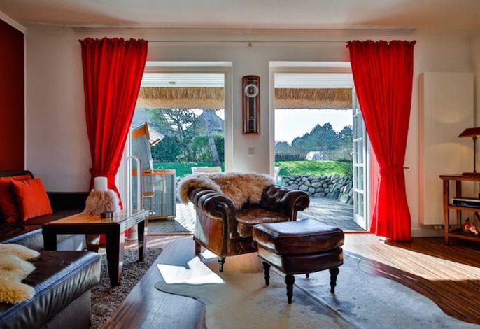Der Wohnraum zur Terrasse