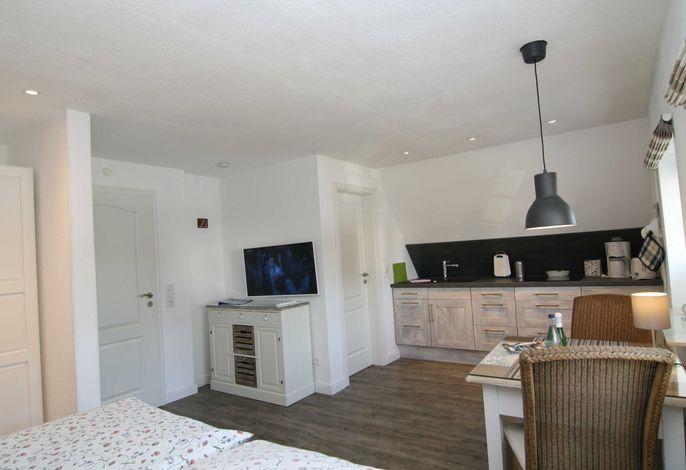 Gesamtüberlick der Wohnung mit LED TV