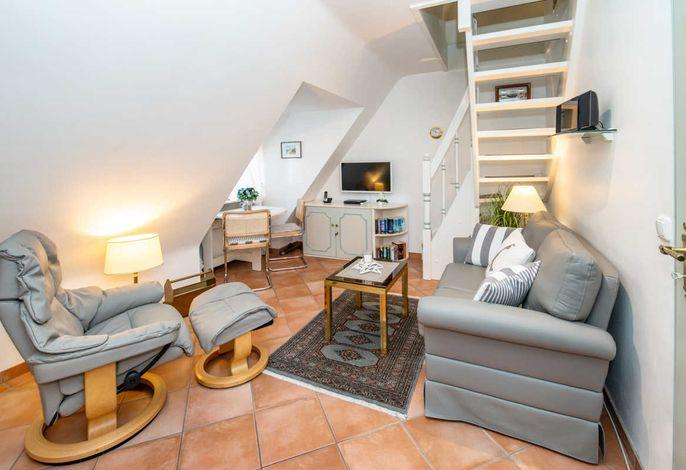 Wohnzimmer - Übersicht:  Wohlfühlambiente im Wohnbereich, edles Ledersofa und Ekornes-Stressless-Sessel