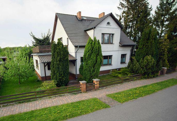 Haff-Ostseeferienhausapartment mit Dachterrasse