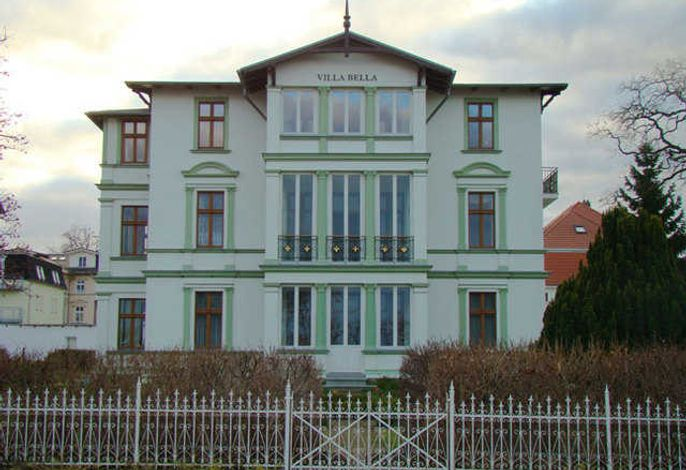 Villa Bella  1. Reihe mit Meerblick