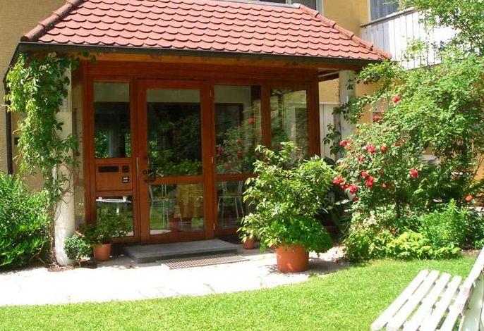 Hotel garni Haus Baden - Bad Dürrheim / Schwarzwald-Baar