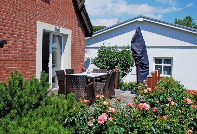 DEB 029 exclusives Ferienhaus unterm Reetdach