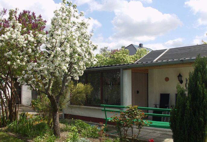 Bungalow mit Terrasse in Waren (Müritz)