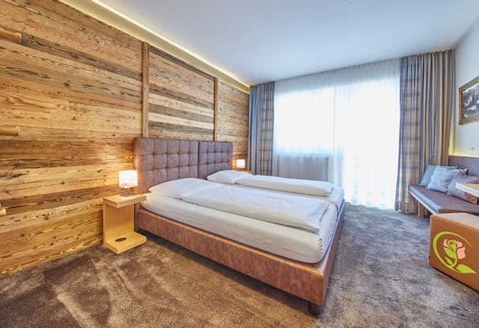 Rustikal modernes Alpin Doppelzimmer