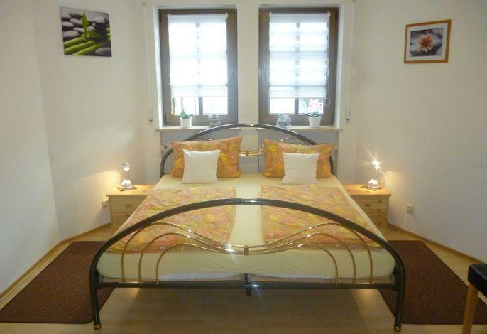 Doppelbett im Schlafzimmer 1: Bettgröße: 180x200cm