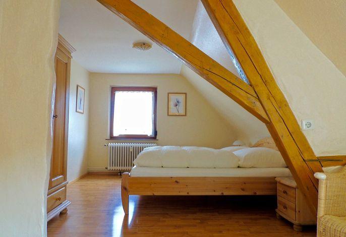 Schlafzimmer 2, Doppelbett 180/200, Schlafcouch 160/200