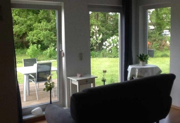 Haus Inge -  Wohnraum mit Blick auf die Terasse