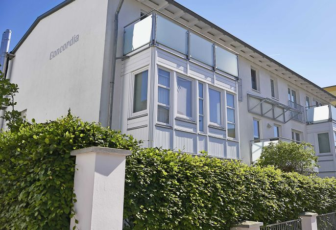 Haus Concordia F512 WG 2 mit Terrasse + Strandkorb