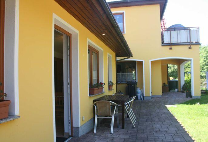 Barrierefreier Bungalow mit Terrasse und Parkplatz direkt am Haus