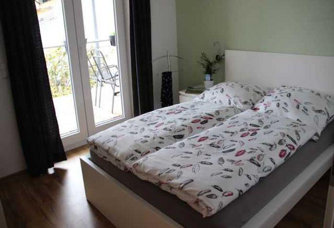 kleines Schlafzimmer, Bett 1,40x2,00m