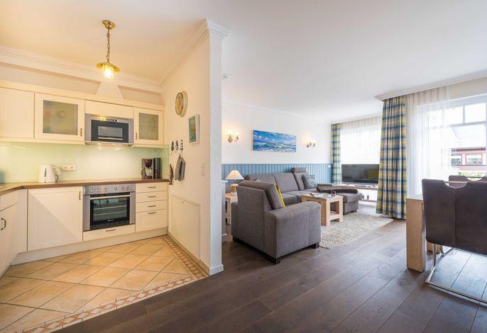 Das geräumige Wohn-/Esszimmer bietet gehobenen Wohnkomfort