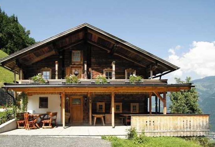 Bauernhaus Korum und Zirbenhäusl Korum