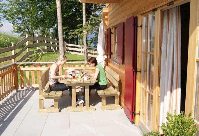 ein perfekter Tag beginnt mit einem tollen Frühstück auf der Terrasse