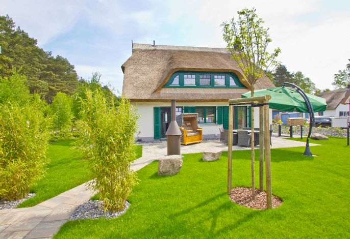 Ferienhaus Seehund in Glowe, strandnah, großer Garten und Terrasse