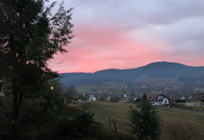 herbstlicher Sonnenuntergang von der Terrasse aus