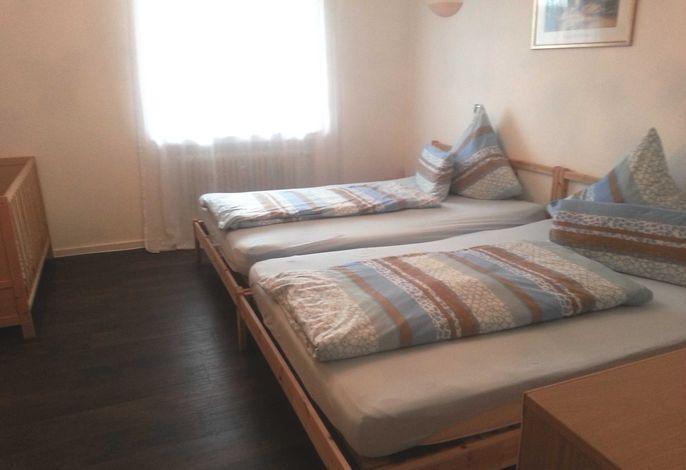Schlafzimmer, Highlight: 2 Doppelbetten mit je 140 x 200 cm