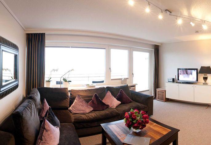 Großzügiger Wohnbereicht mit Zugang auf den Westbalkon und einen fantastischen Blick auf die Nordsee