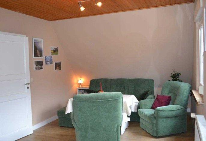 Wohnzimmer mit Couchgarnitur