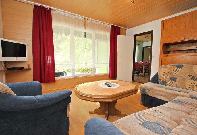 Wohnraum mit Terrassenblick