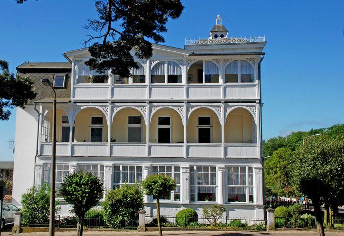 Ferienvilla im Stil der Bäderarchitektur