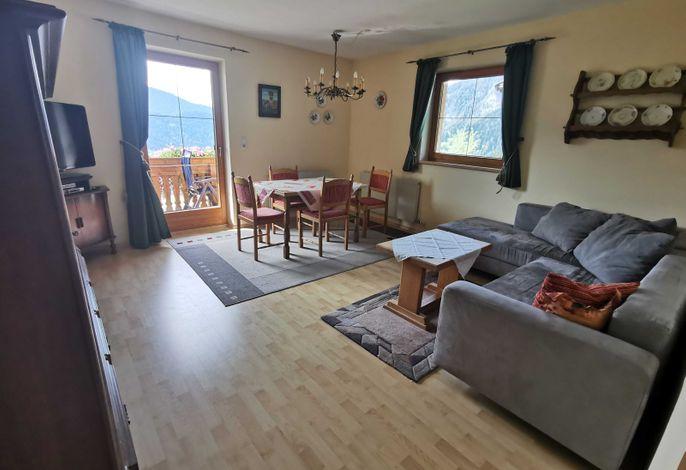Haus Sonnegg Appartement Rofanblick Wohnzimmer