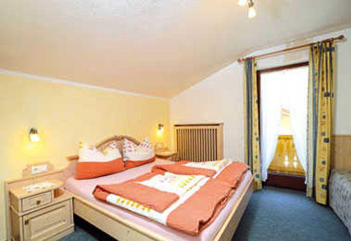 APART FRANZISKA...Doppelzimmer 1 Landhaus mit Balkon und Flat-TV
