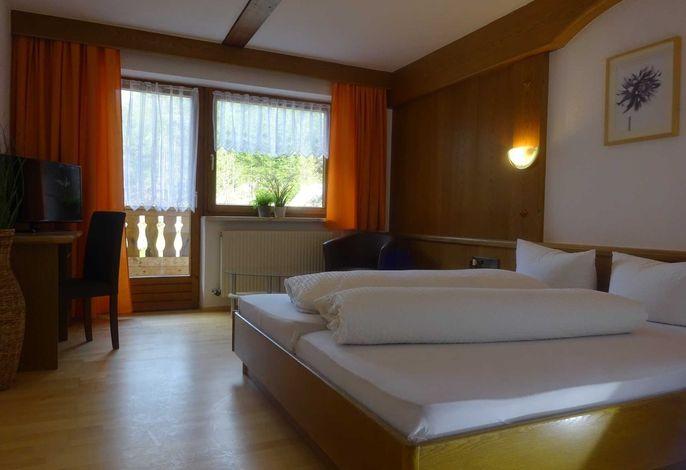 App 1 Hotel Tia Apart, Kaunertal, Zimmer und Ferienwohnung