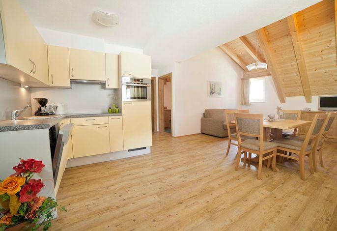 Wohn-/Schlafzimmer mit Küchenzeile