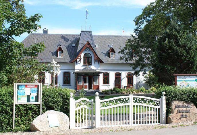 Herrenhaus mit Ferienwohnungen 1-6