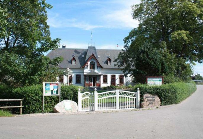 Vorderansicht des Herrenhaus vom Ferienhof Wick