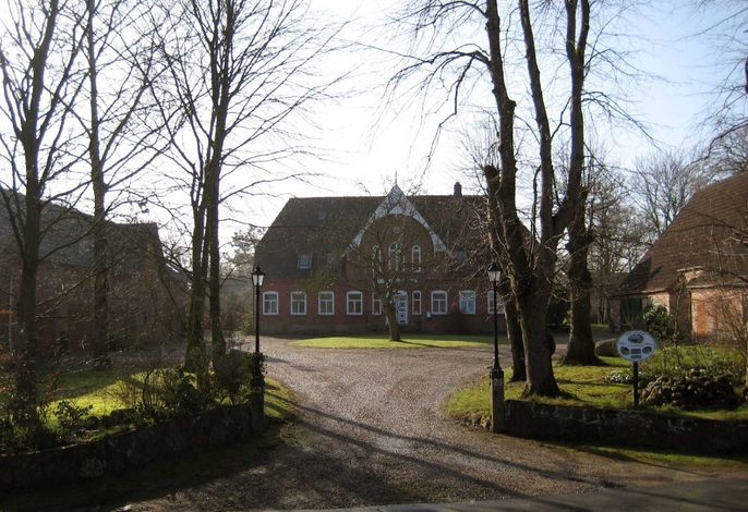 Gemütliches Blockhaus auf historischem Dreiseithof