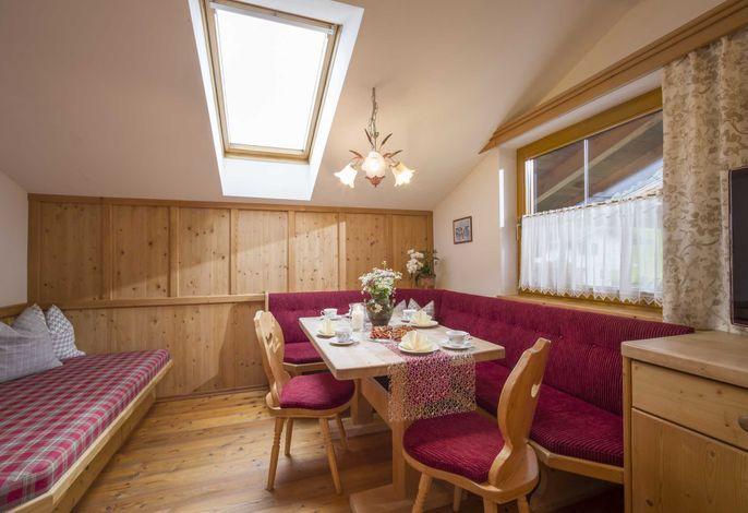 In der Wohnküche mit Fichtenholz ausgestattet werden Sie sich wohlfühlen
