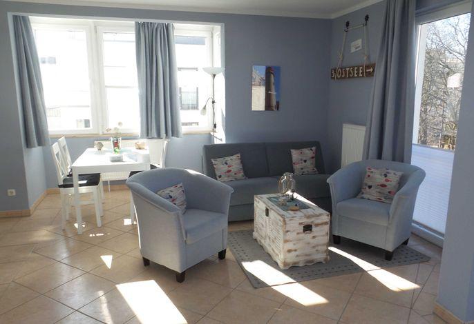 heller frisch renovierter Wohnraum