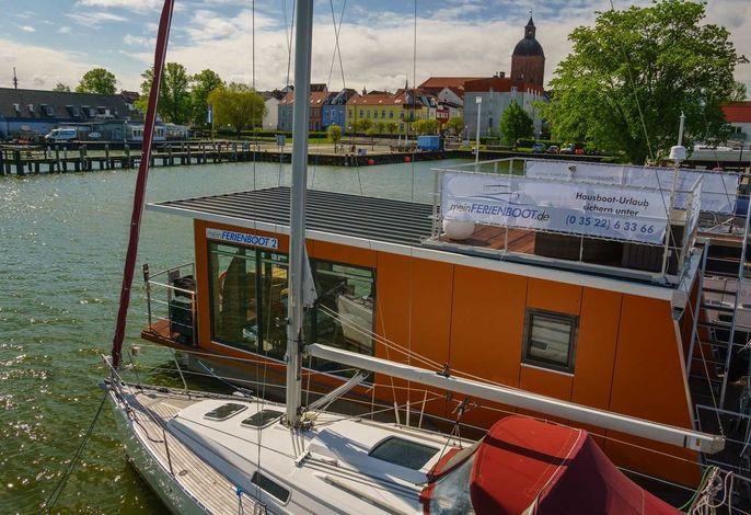 Hausboot auf dem Ribnitzer See