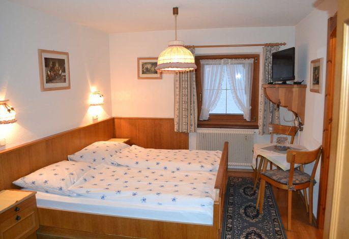Doppelzimmer mit Dusche und separatem WC - Landhaus Mayer